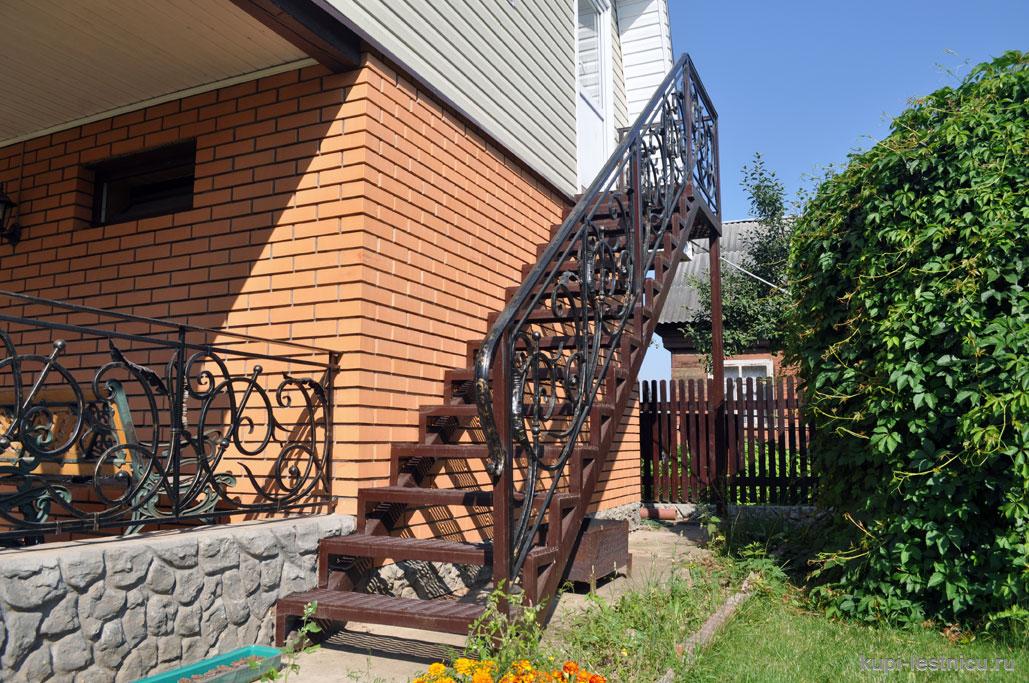 Лестницы для дачи - лестницы для дома в чём отличия?.