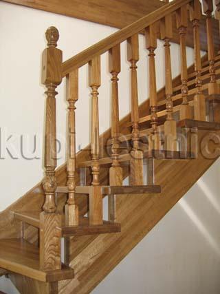 Лестницы на второй этаж частного дома в Томске